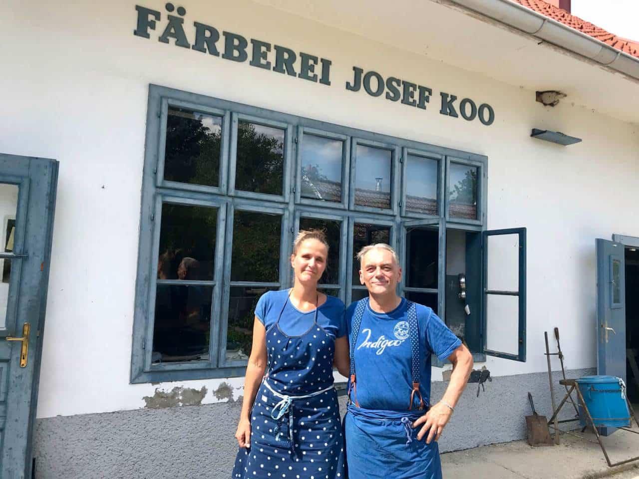 Miriam und Joseph im Hof in Steinberg