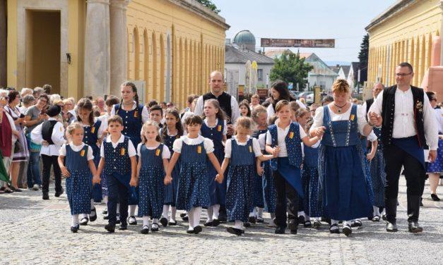 Wieder auf den Beinen:  Kindervolkstanzfest Eisenstadt